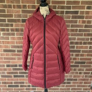 Like new London Fog packable down jacket